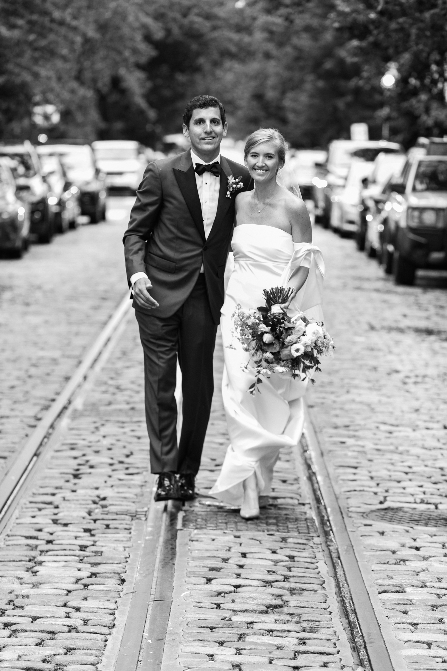 Georgetown wedding - Classic bride and groom in DC